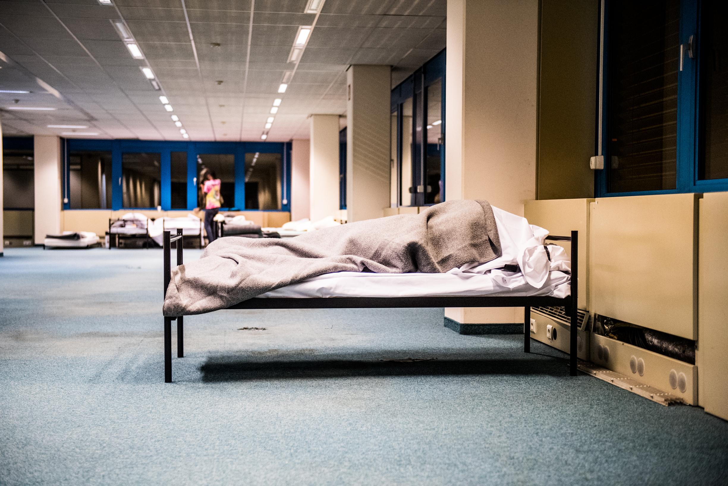 BRUXELLES, Centre Accueil Hebergement Des Migrants Porte D Ulysse Haren Plateforme Citoyenne Parc Maximilien  .GOLINVAUX MATHIEU./LESOIR