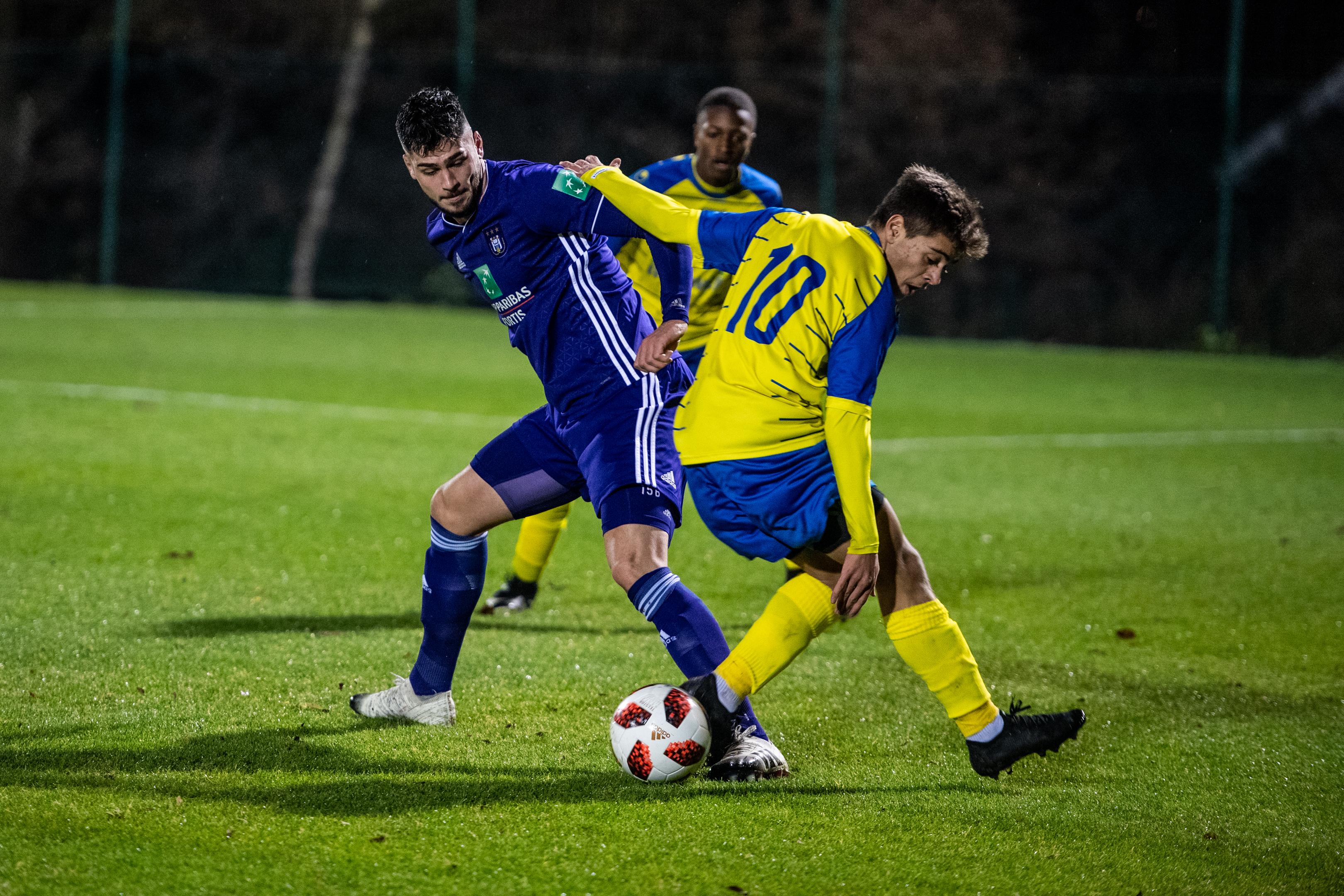Ass.HLN : *Anderlecht Player Elias Cobbaut Back*