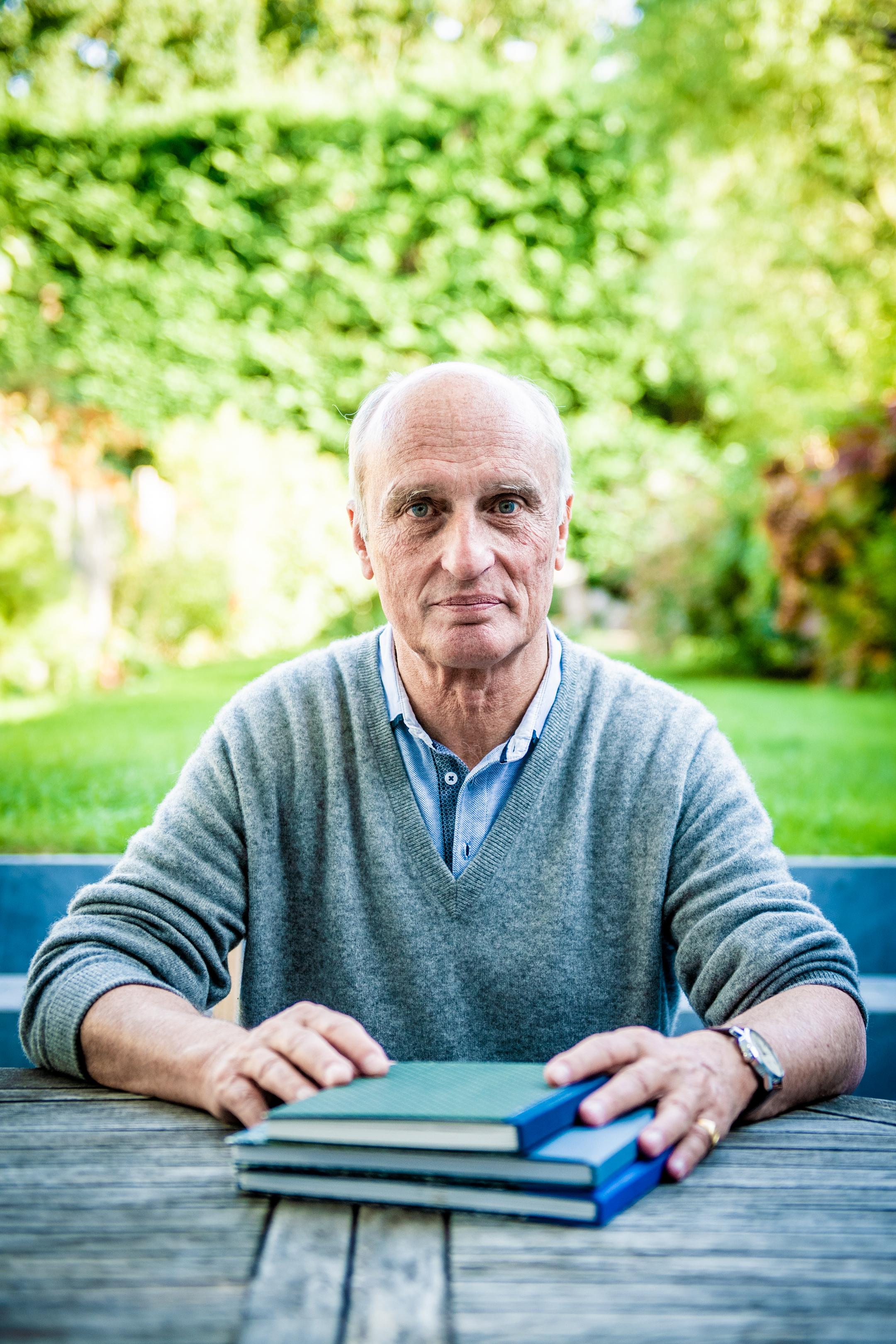 RHODE SAINT GENESE, Portrait Et Interview Du Docteur Yves De Locht Pour La Sortie Du Livre Docteur Rendez Moi Ma Liberte .GOLINVAUX MATHIEU./LESOIR